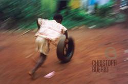 playing child in kamerun