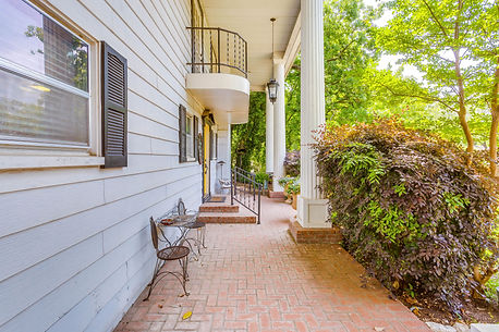 Fort Worth small wedding venue-front porch