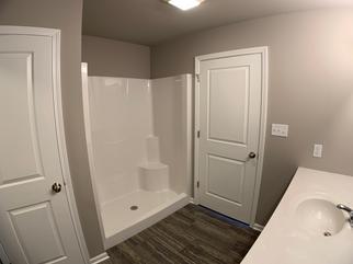 Belmont Master Bathroom 2.png