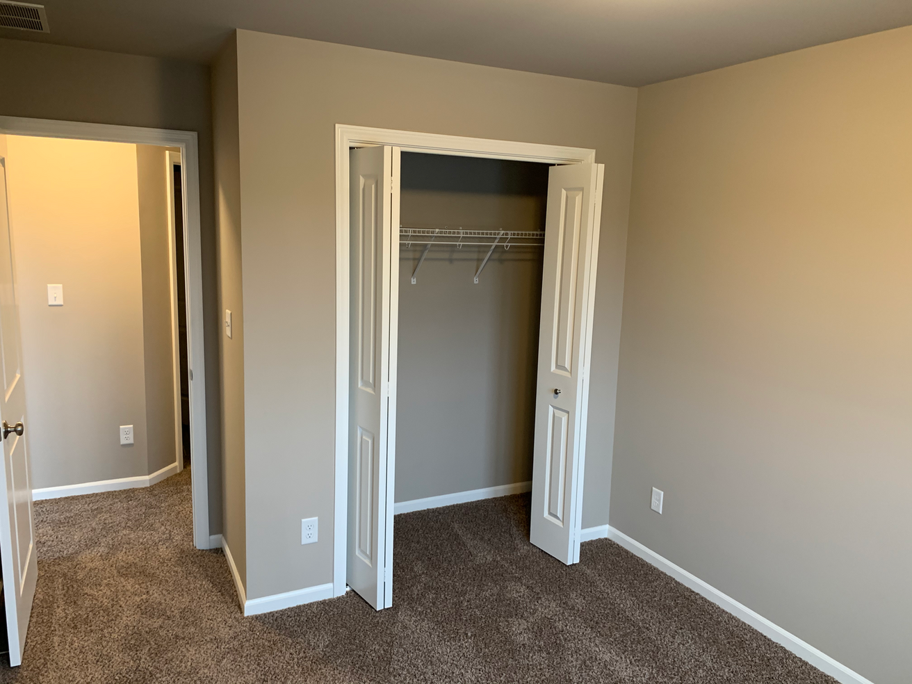 Middleton 2nd Bedroom 2.png