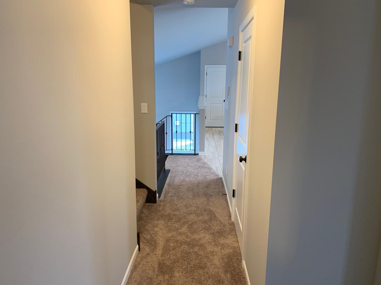 Washington Main Level Hallway.png