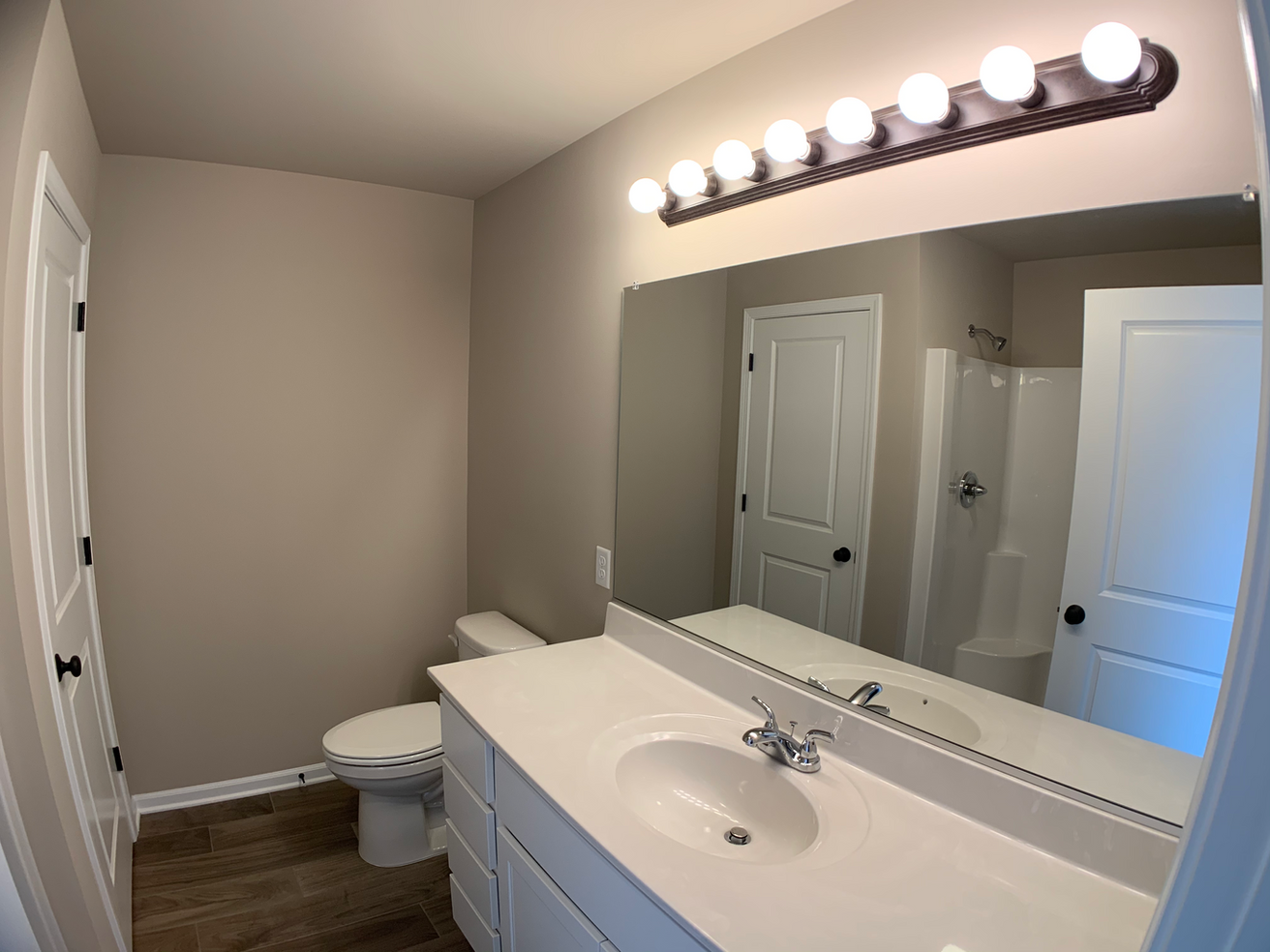 Jefferson Master Bathroom 1