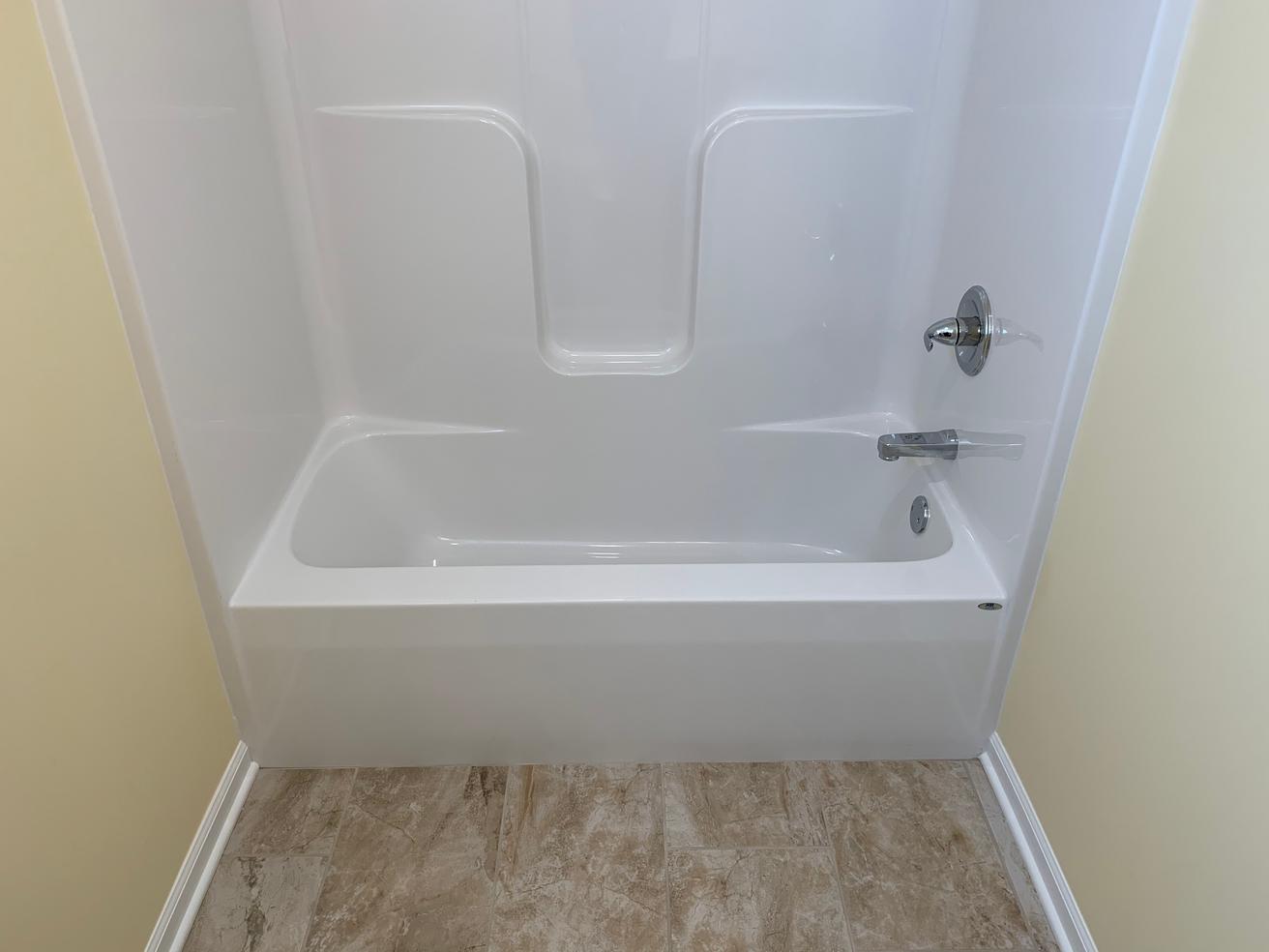 Juniper 2nd Bathroom 4.png