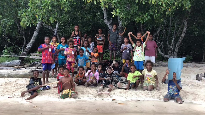 Trash Hero Raja Ampat is mostly made up of kids from SD Yenbuba. But we hope more in the community will join!