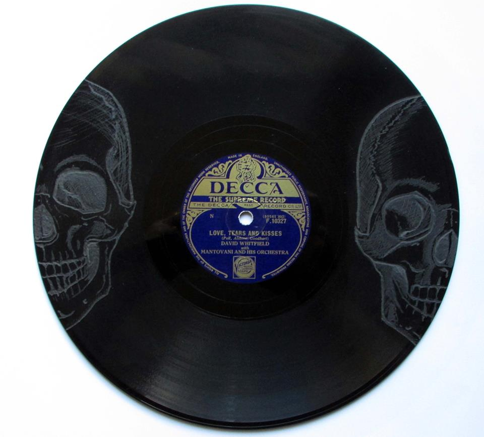 Twin Skull engraved 78 Vinyl