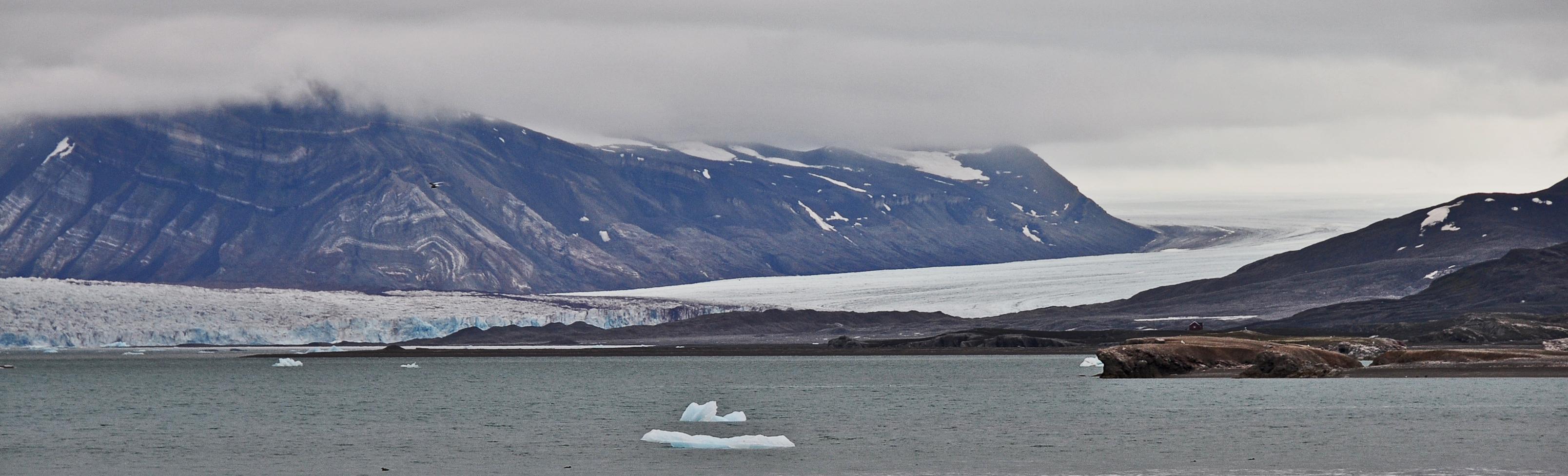Glaciology in Ny-Ålesund