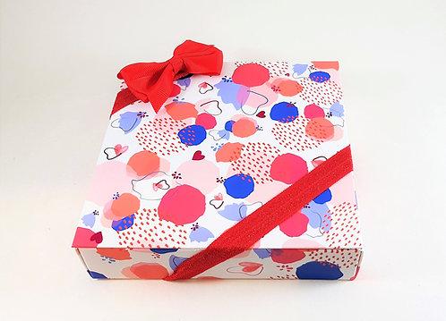 Geschenkbox mit Valrhona Konfekt Herzen