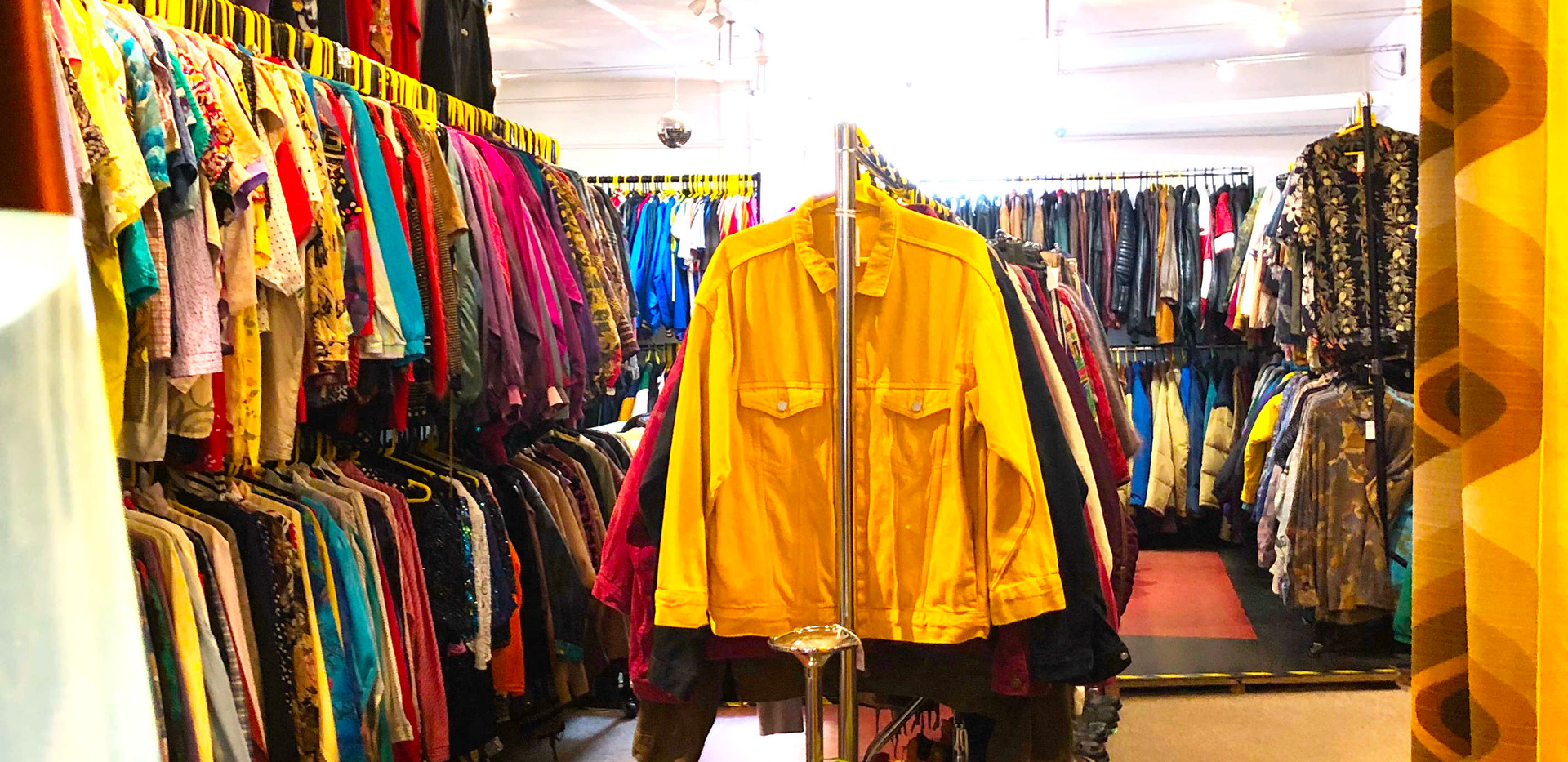 The Yellow Shop 3464.jpg