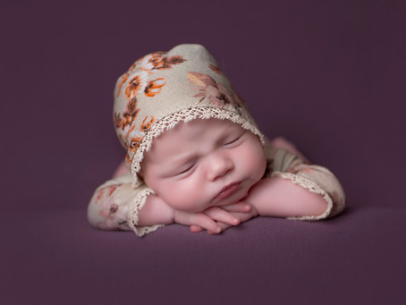Top 5 Things to Consider When Hiring a Newborn Photographer