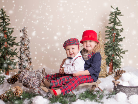 Christmas Mini Sessions - My favorite time of year!