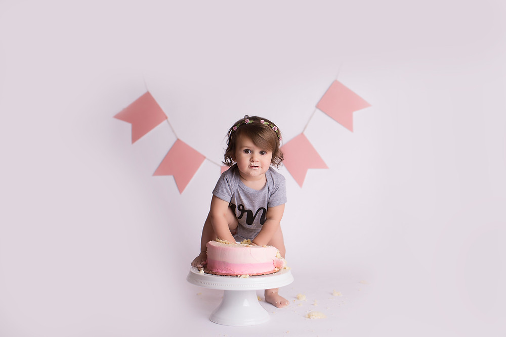 Eliana, One Year Cake Smash