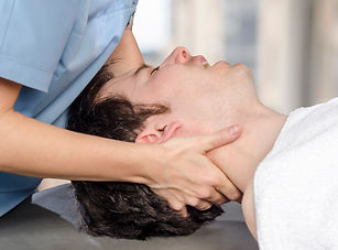 Physiotherapist, chiropractor is doing m