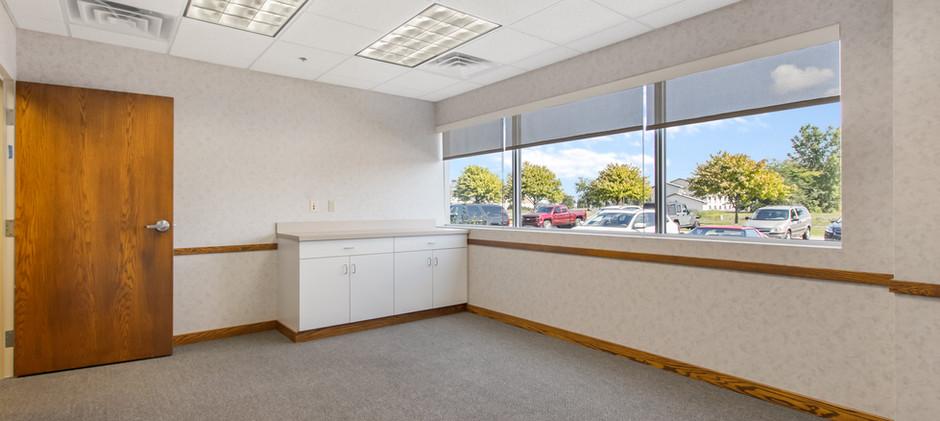 4805 Towne Centre Rd-4.jpg