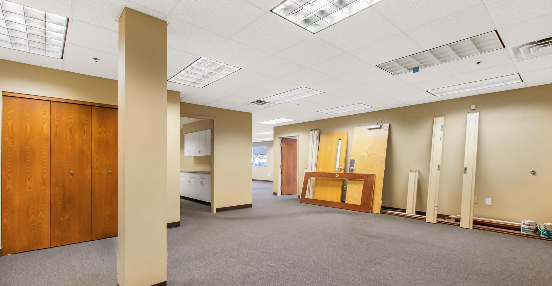 4805 Towne Centre Rd-2.jpg