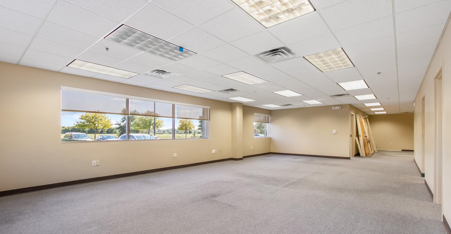 4805 Towne Centre Rd-7.jpg