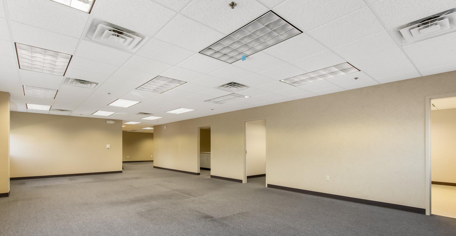 4805 Towne Centre Rd-9.jpg