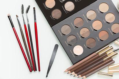 Eyebrow makeup pencils and eyebrow powder.