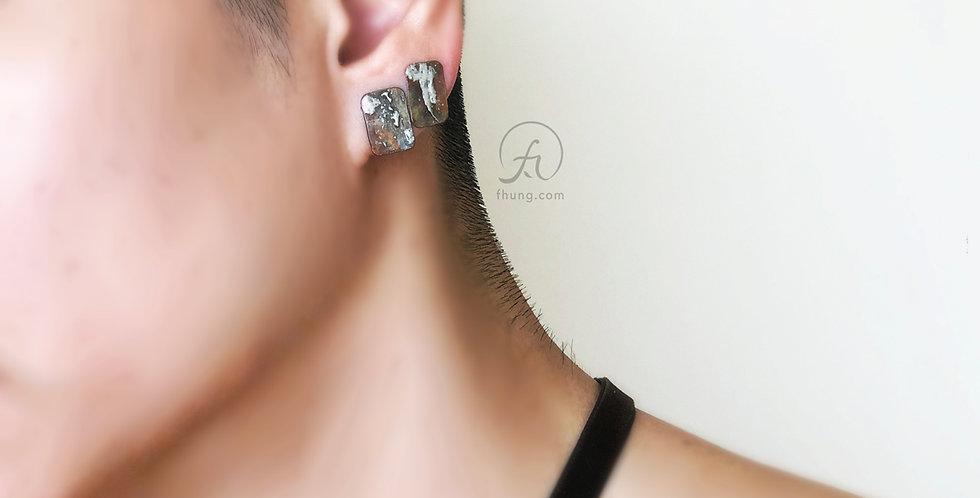 post earrings 1722