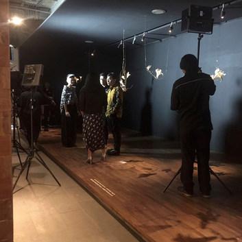 prepping for Metro TV - Idenesia interview