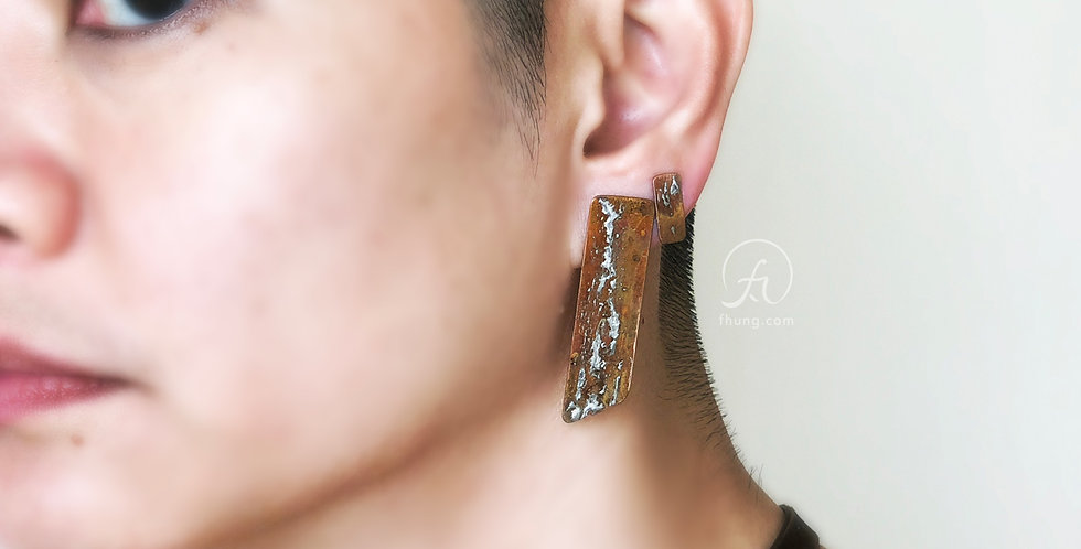 post earrings 1716