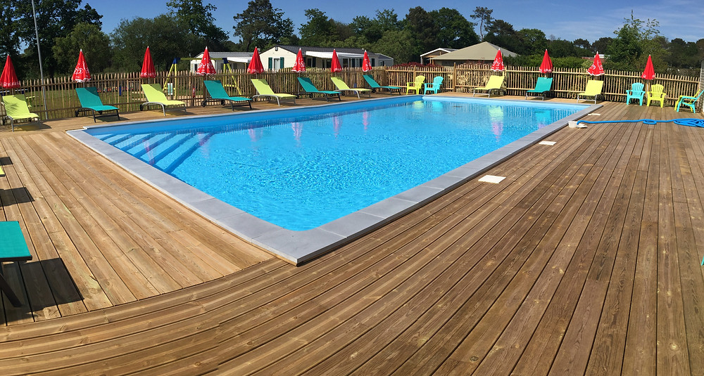 Construction piscine camping