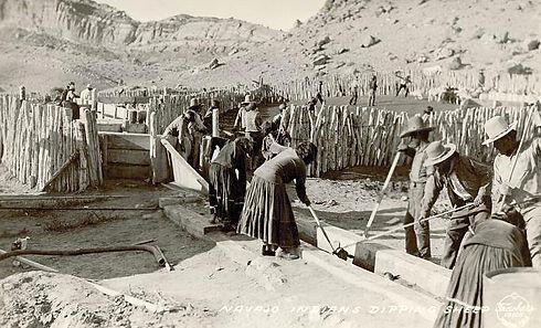 1X1 - 1920 - NAVJAO MEN & WOMEN DIPPING