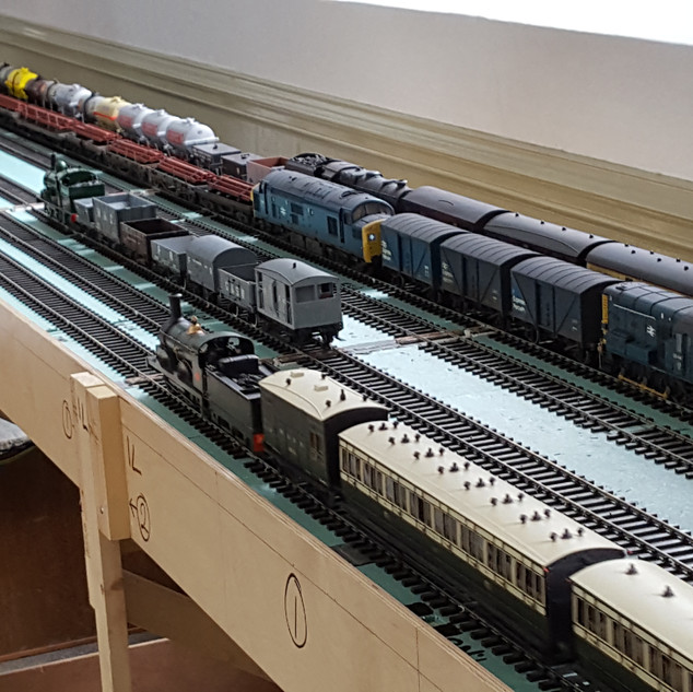 A view of the 'fiddle' yard 1.jpg