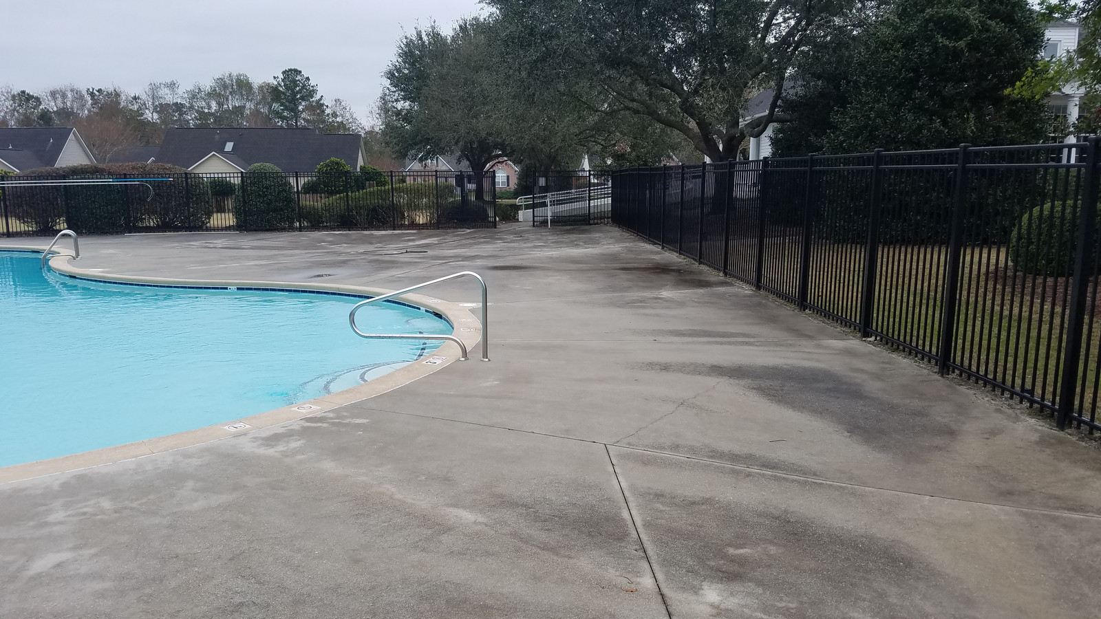 Atlantic Commercial Services Pressure Washing In
