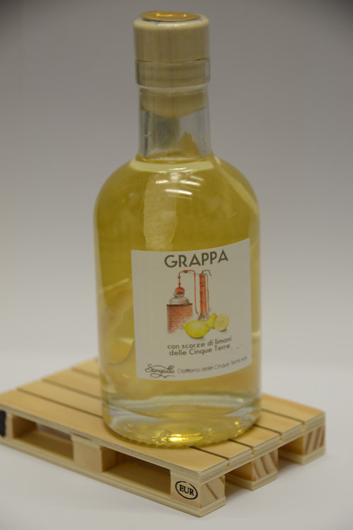Grappa con Limone-Grappa with Lemon