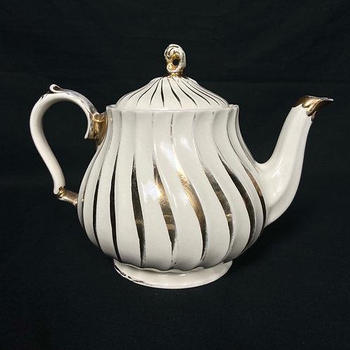 Vintage 1950s classic teapot by James Sadler England