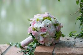 wedding-flowers-2948530_1920.jpg