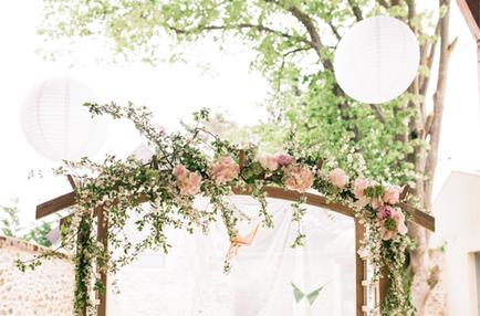 decoration-mariage-paris-arche-en-bois-lesdeconneuses-evenement-location-photo-nicolasgrou