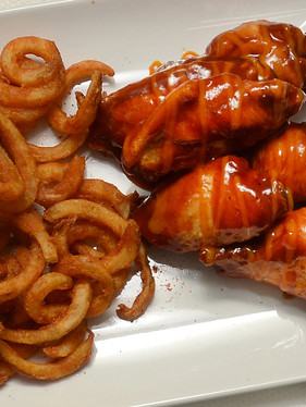 BBQ Chicken Wings & Curly Fries