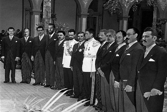 Gabinete-Romulo-Betancourt-DIFUSE GLOW 2