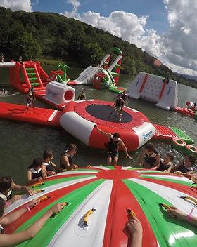 Parc Aquatique Flottant.jpg
