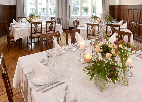 Tischdekoration für Hochzeit im Alten Bahnhof Erkrath