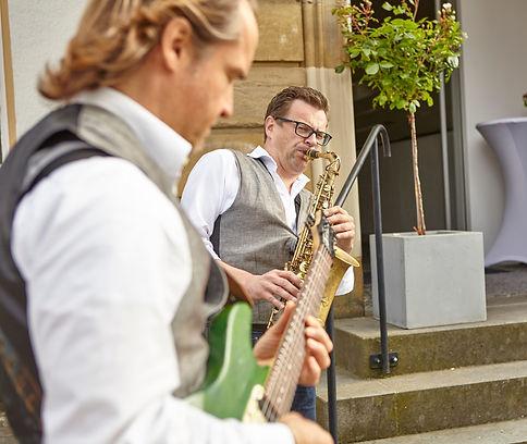 Band mit Saxophon