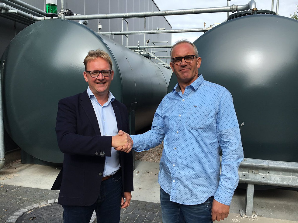 Germ Wiersma (links) van Future Fuels met ...