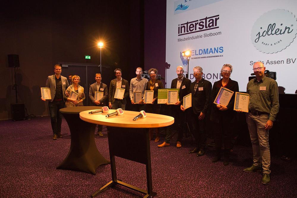 Deelnemers aan de derde groep Koplopers met hun certificaat (foto: Esther Hardon)