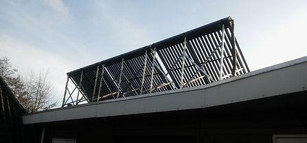 De zonnecollector met heatpipes