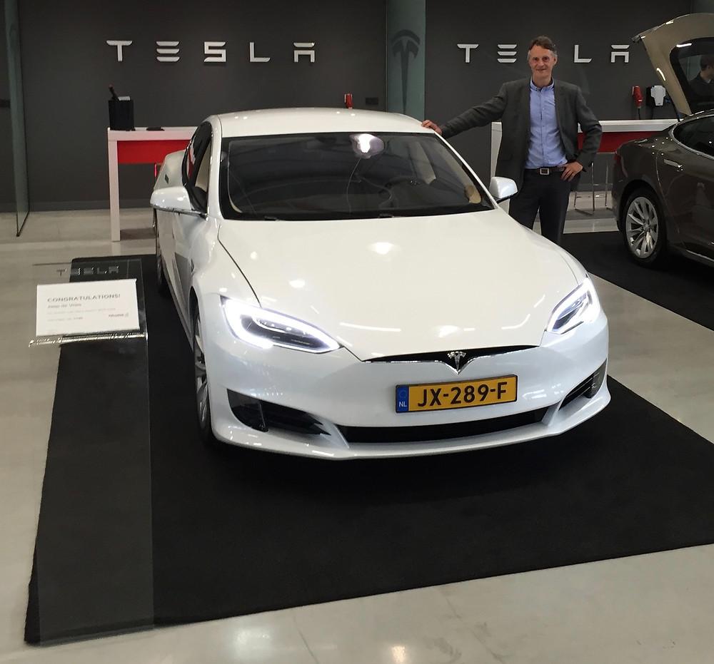 Aflevering van mijn Model S bij Tesla in Tilburg