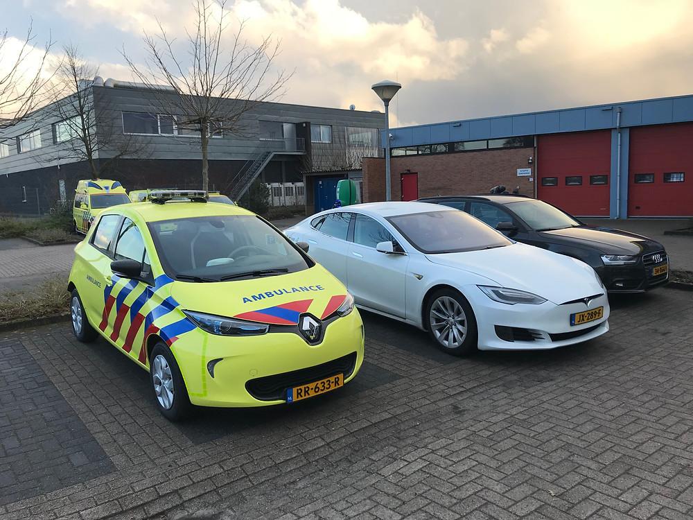 De 100% elektrische Renault Zoe van UMCG Ambulancezorg. In de nabije toekomst zullen veel meer elektrische auto's volgen.