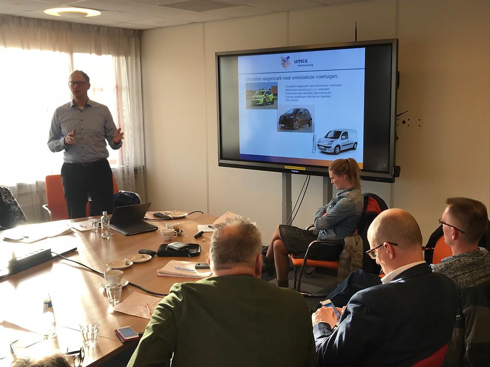 Herman van Ommen presenteert de toekomstvisie van UMCG Ambulancezorg