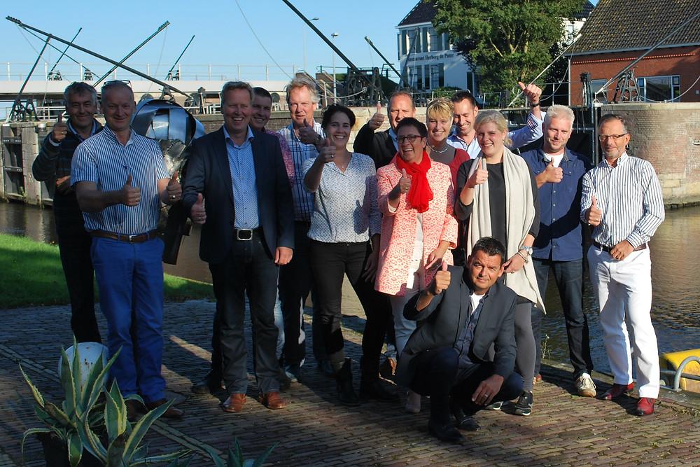 Deelnemers geven een dikke duim voor het Koploperproject