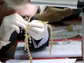 Filipinas vai leiloar joias do ditador Ferdinand Marcos