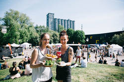 Kom på Oslo Vegetarfestival! Festivalen arrangeres i idylliske Kubaparken ved Akerselven i Oslo.