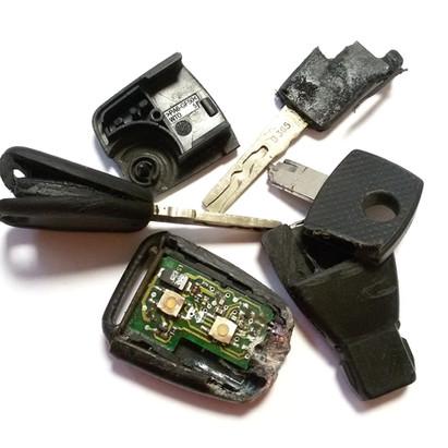 výmena poškodených obalov autoklúčov