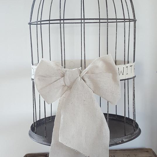 Petite cage à oiseaux grise