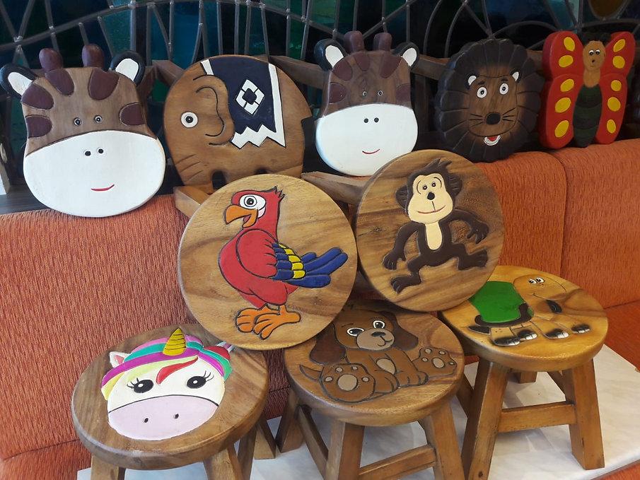 Holz-Kinder-Hocker.jpg