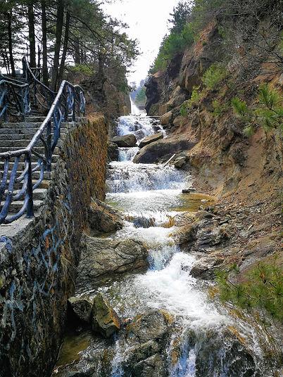 Vízesés a Daming-hegynél